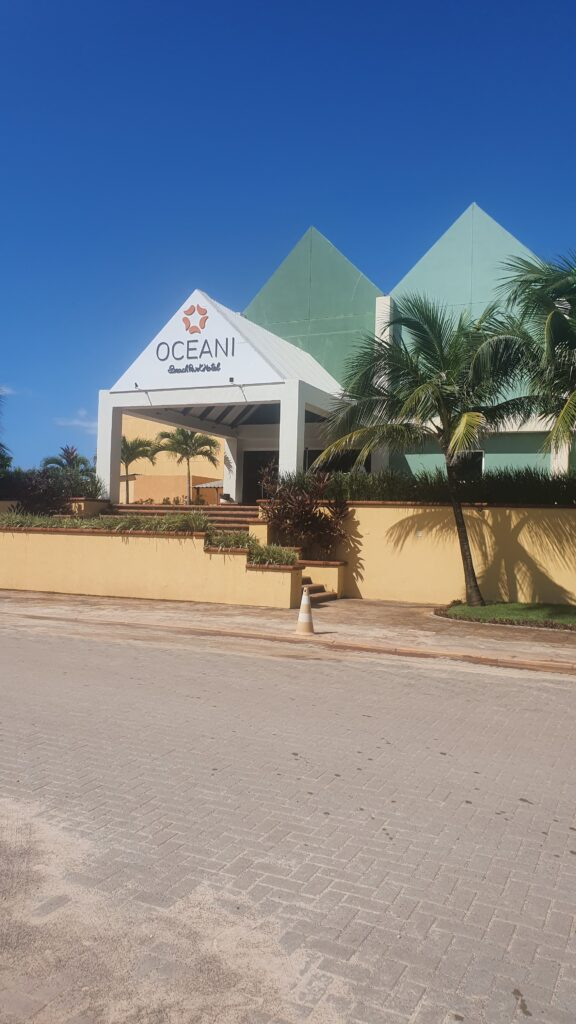 HOTEL OCEANI BEACH PARK  ESTACIONAMENTO